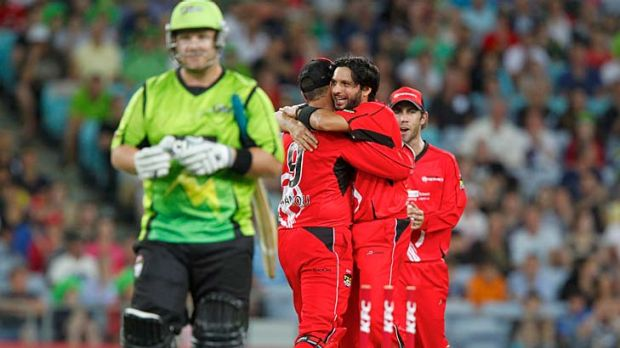 Shahid Afridi celebrates with his teammates after having Thunder captain Daniel Smith stumped.