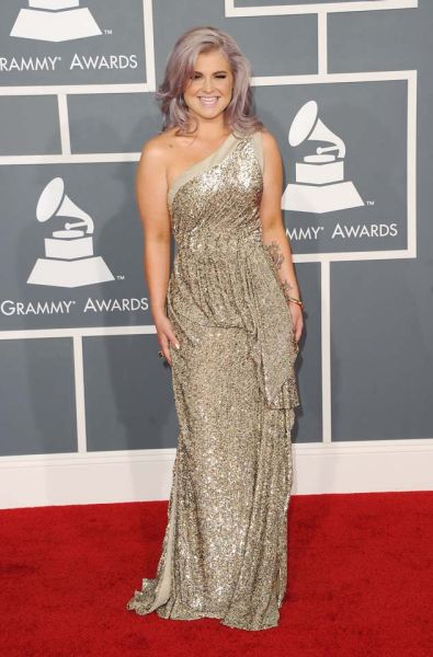 Kelly Osbourne arrives at the Grammy Awards.
