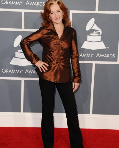Bonnie Raitt arrives at the Grammy Awards.