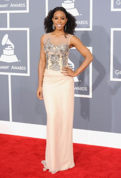 Kelly Rowland arrives at the Grammy Awards.