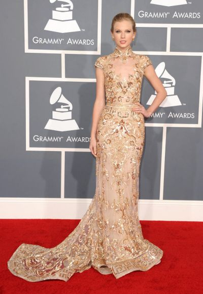 Taylor Swift arrives at the Grammy Awards.