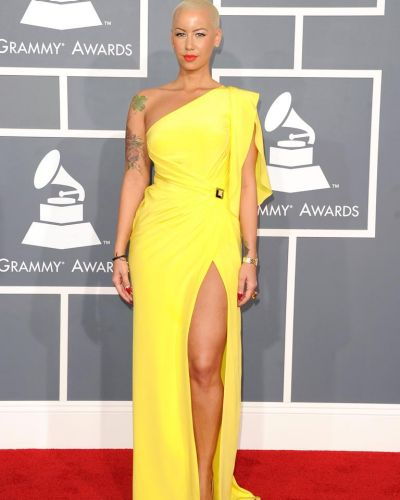 Amber Rose brightens up the red carpet.