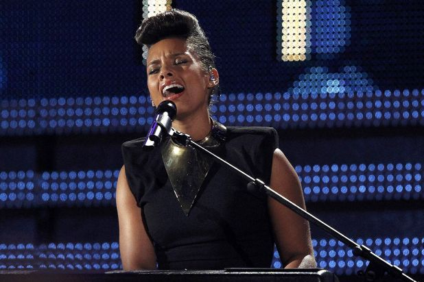 Alicia Keys performs one of her tracks on stage.