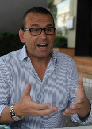 Controversial <i>Breakfast</i> co-host Paul Henry prefers to describe his style as ''addressing the elephant in the room''.
