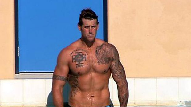 Thanked the public.... Ben Roberts-Smith was mocked on The Circle after appearing topless in a pool.