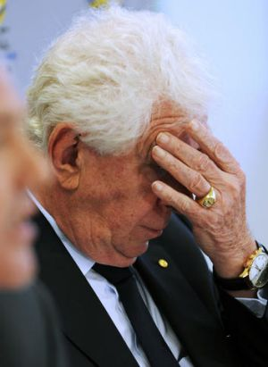 Frank Lowy announces Gold Coast United's expulsion yesterday.