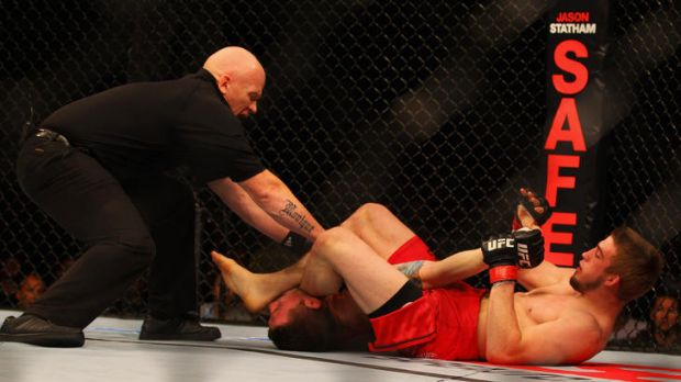 TJ Waldburger wins by arm-bar submission over Jake Hecht.