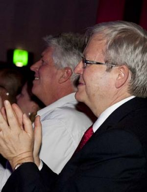 Kevin Rudd applauds Anna Bligh at the Queensland Labor Party's election launch.