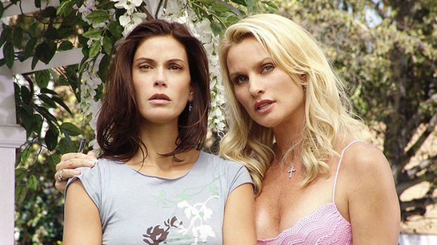 Sheridan (right) in a scene from <i>Desperate Housewive</i> with Teri Hatcher.