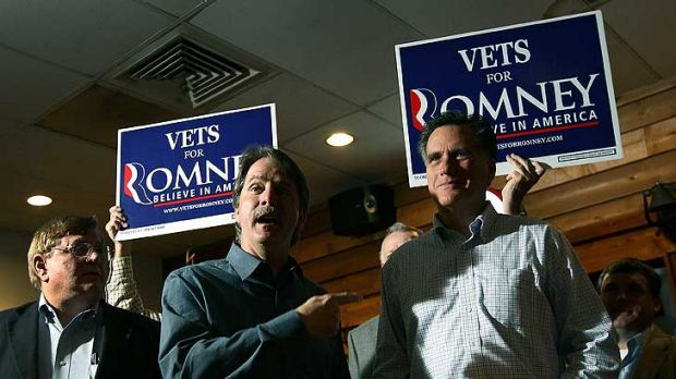 Showtime ... Mitt Romney makes a campaign appearance with comedian Jeff Foxworthy at the Whistle Stop cafe in Mobile, ...