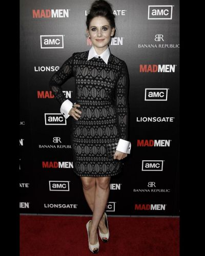 "Alison Brie arrives at the premiere ""Mad Men"" in Los Angeles."