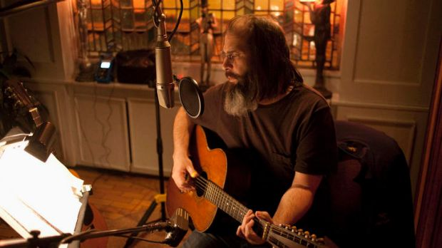 Steve Earle says the death of his father sparked his move from Nashville.