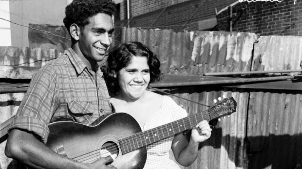 Jimmy Little and singer Marge Peters in a Redfern backyard in 1957.