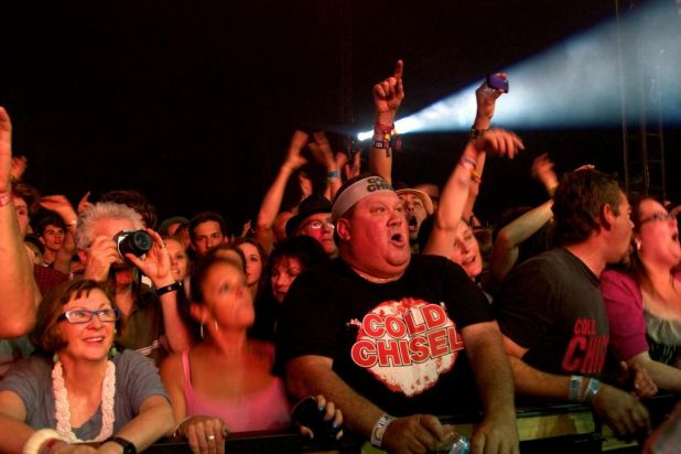 Byron Bay Bluesfest. The crowd during Cold Chisel.