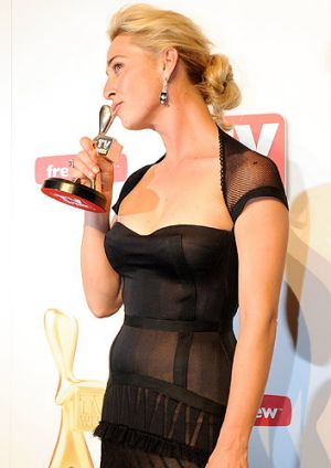 Asher Keddie with her Logie for Most Popular Actress at last year's awards.