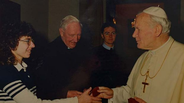Stephanie Piper meets the Pope in the early '90s.