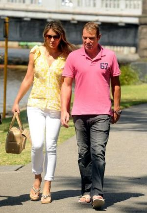 Shacking up: Liz Hurley and Shane Warne.