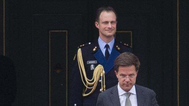 The Dutch Prime Minister, Mark Rutte, leaves the royal palace Huis ten Bosch after handing in his resignation to Queen ...
