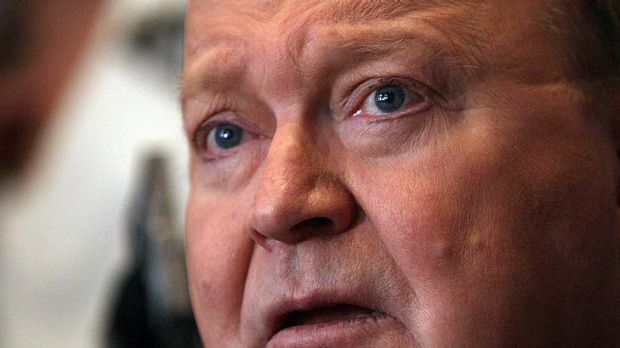 'We're hoping for a happy ending' ... Bert Newton has expressed support for his son Matthew after his latest brush with ...