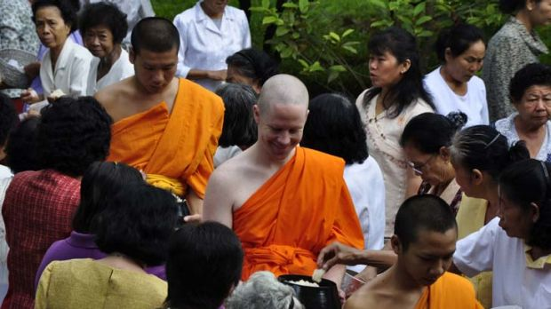 ''Monk for a month'' ... westerners are experiencing life as a Buddhist in a remote part of Thailand as part of a ...