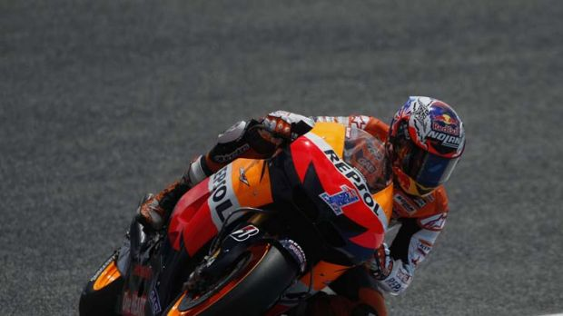 Casey Stoner backs up his Spanish MotoGP win with a victory in Portugal to take a one-point lead in the championship.