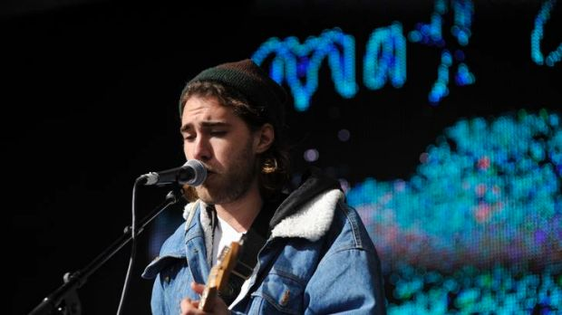 Matt Corby performing at Groovin' The Moo.