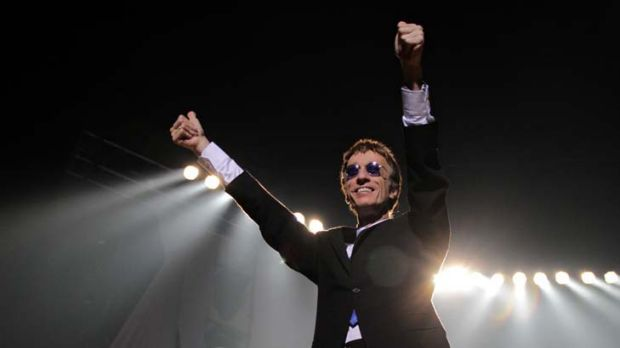 BRISBANE. NEWS. SUN-HERALD.Photograph taken by Michelle Smith on Friday 29th October, 2010.Robin Gibb performs at the ...