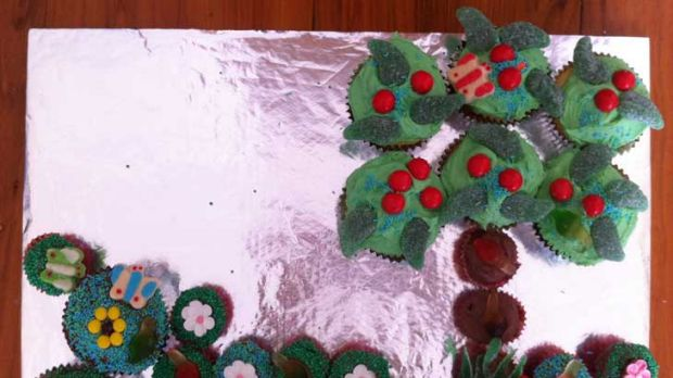 Mint leaves in action ... A forest cake.