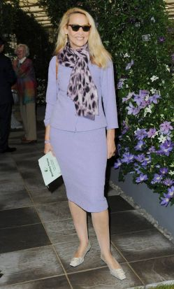 Jerry Hall arriving at the flower show.