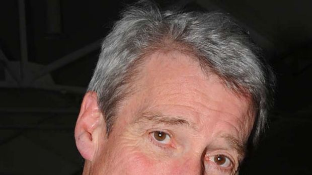 Jeremy Paxman ... told a media ethics inquiry that Piers Morgan gave him a primer on phone hacking.