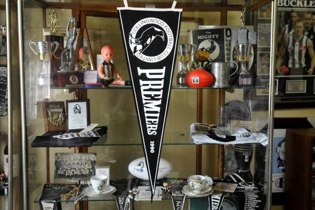A 1990 Collingwood Premiership pennant.