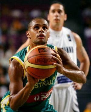 Canberra's Patty Mills will put his NBA experience to use when the Boomers head to the London Olympic Games next month.
