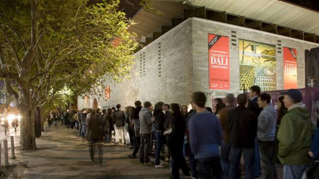 Melburnians queue all night for the Dali exhibition in 2009.