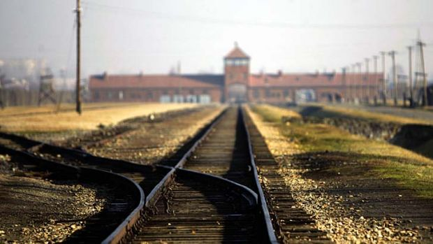 The French foreign ministry joined Nazi hunters and Jewish community groups in calling on Hungarian prosecutors to ...