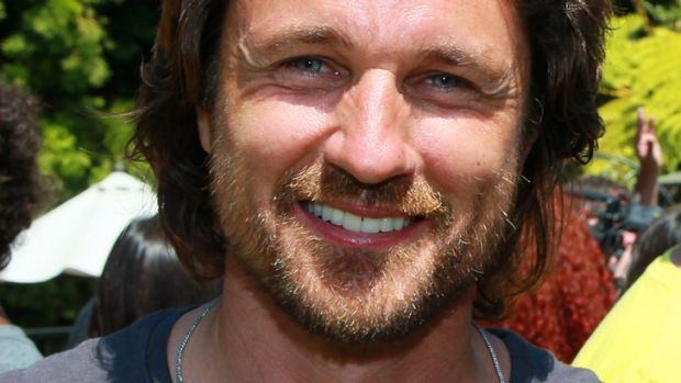 Hooked up ... Martin Henderson is reportedly dating Demi Moore.