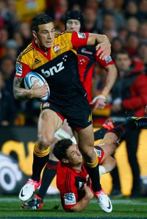 Sonny Bill Williams of the Chiefs breaks away.