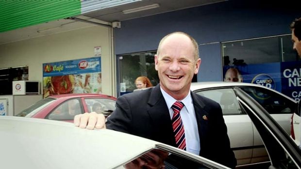 Campbell Newman campaigning in Ashgrove ahead of the state election.
