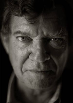 A great Australian voice ... Robert Hughes.