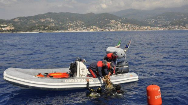 The recovery team used a submarine, a robot and sophisticated mapping and tracking equipment.