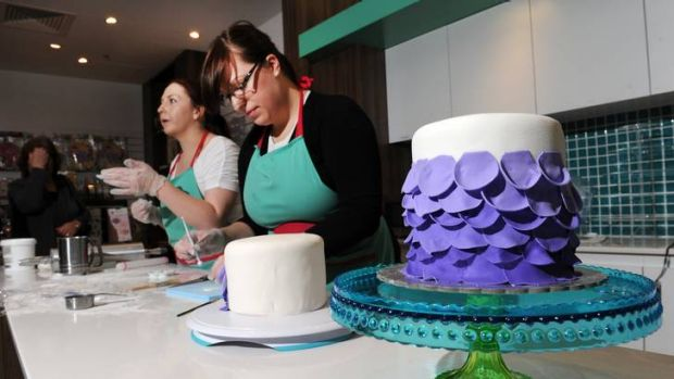 Cake Decorating Solutions Facebook : This is no piece of cake
