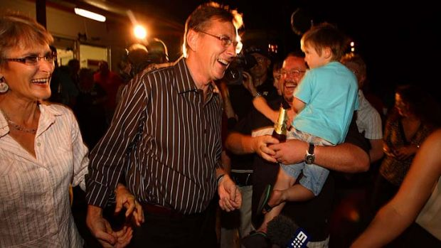Victory ... Country Liberal Leader Terry Mills and wife Roz celebrate success in the Northern Territory election.