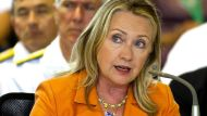 Clinton shores up Pacific ties in Cook Islands (Video Thumbnail)