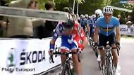 Cavendish hit in the head (Video Thumbnail)