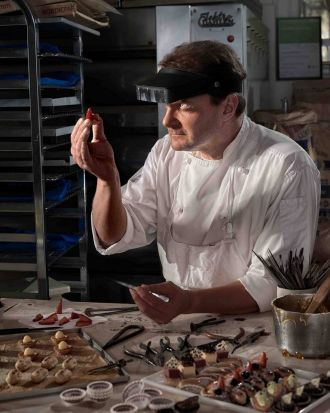 Shoot the Chef 2012 Precise Miniatures - Petit Fours? by Daniel Arnaldi. Jean Francois Perron takes great care when ...