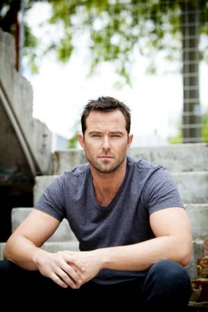 Australia's Sullivan Stapleton is on the rise with a role in new US-British series <i>Strike Back</i>.