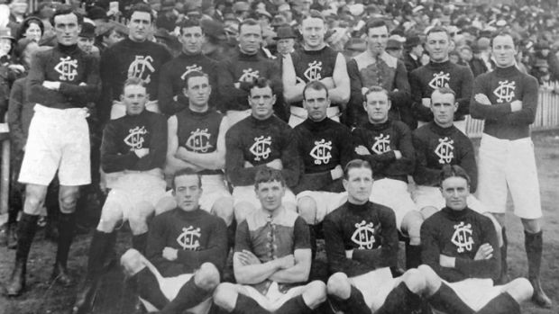 George Challis with his Carlton teammates (back row, second from right) on May 17, 1913 playing against Collingwood.