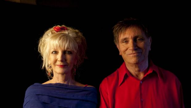 Cabaret artists Moya Simpson and John Shortis will revive memories of the war era.