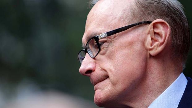 """Foreigh Minister Bob Carr says Ms Bean received """"considerable consular assistance""""."""