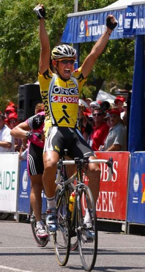 Giampaolo Caruso winning a 2003 Tour Down Under stage.