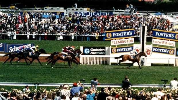 Tawrrific wins the 1989 Melbourne Cup at the terrific odds of 30/1. Now THAT'S a cup winner we'd like to back!